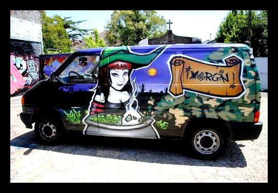La première camionette ou plutôt le 1er Balais magique de la sorcière !